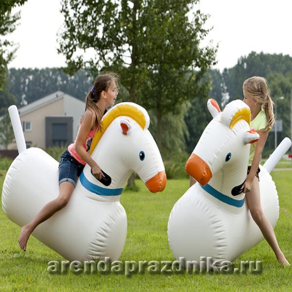Надувные лошади в аренду
