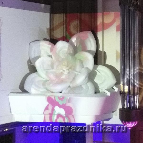надувная лилия, лилия в аренду, украшение свадьбы